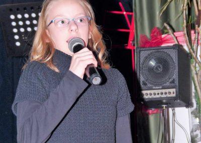 9 Jasmin Westphal singt solo