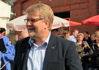 Andreas Oeljeklaus moderierte die Lieder mit sichtlicher Freud