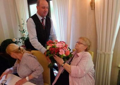 Blumen für Ehefrau Martha