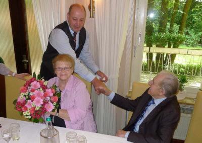 Ralf Krumme gratuliert dem Jubilar