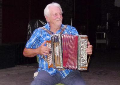 11 Harmonikaspieler Raimund