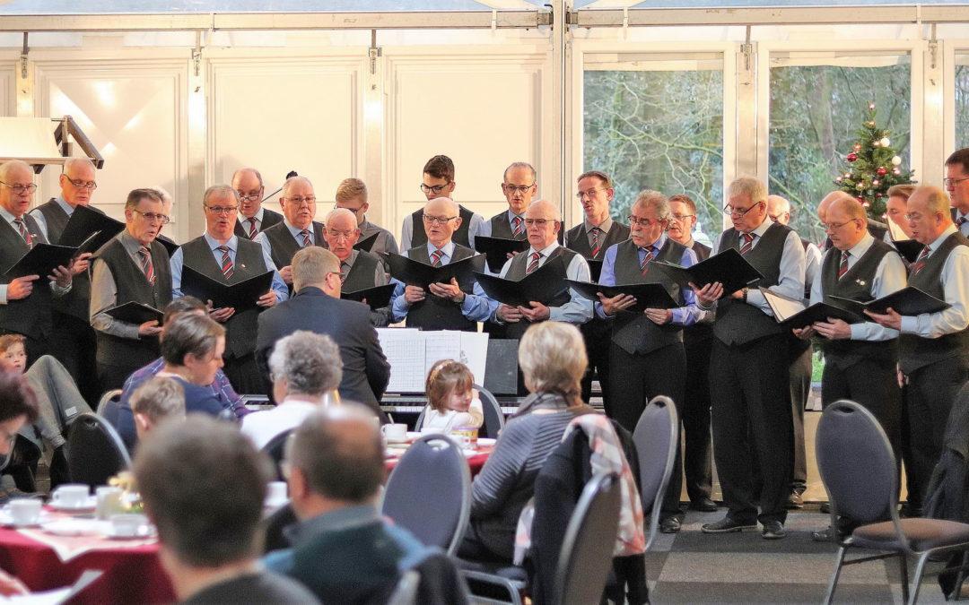 Vorweihnachtliche Sängerehrung im MGV Settel